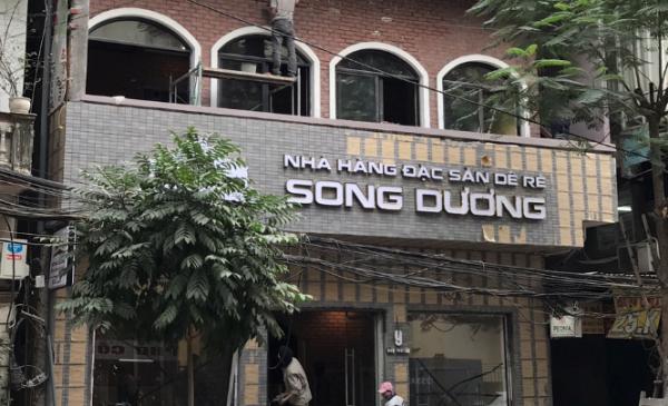 bien-mica-chu-uon-noi-dep-nha-hang-song-duong